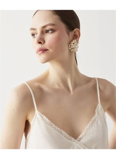 Ipekyol Çiçek Form İnci Küpe Beyaz